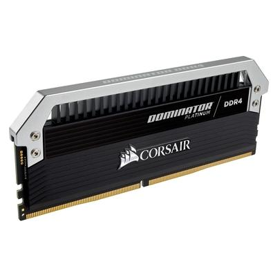 Memória Corsair Dominator Platinum 32GB (4x8GB) 3000Mhz DDR4 CL15 - CMD32GX4M4C3000C15